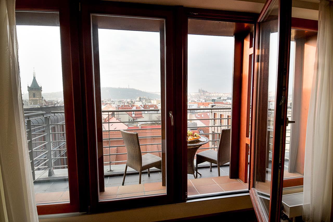 Hotellrom med egen balkong og utsikt over Praha 63ee10831f