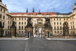 Slottet Praha presidentbolig presidentpalasset bygning kjent severdighet