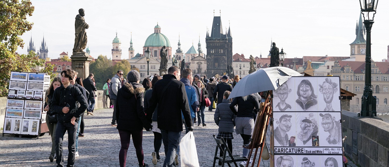 karlsbroen-kunstnere-musikere-praha-attraksjoner