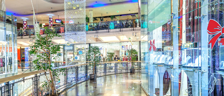 kjopesentre-praha-butikker-shoppingsenter