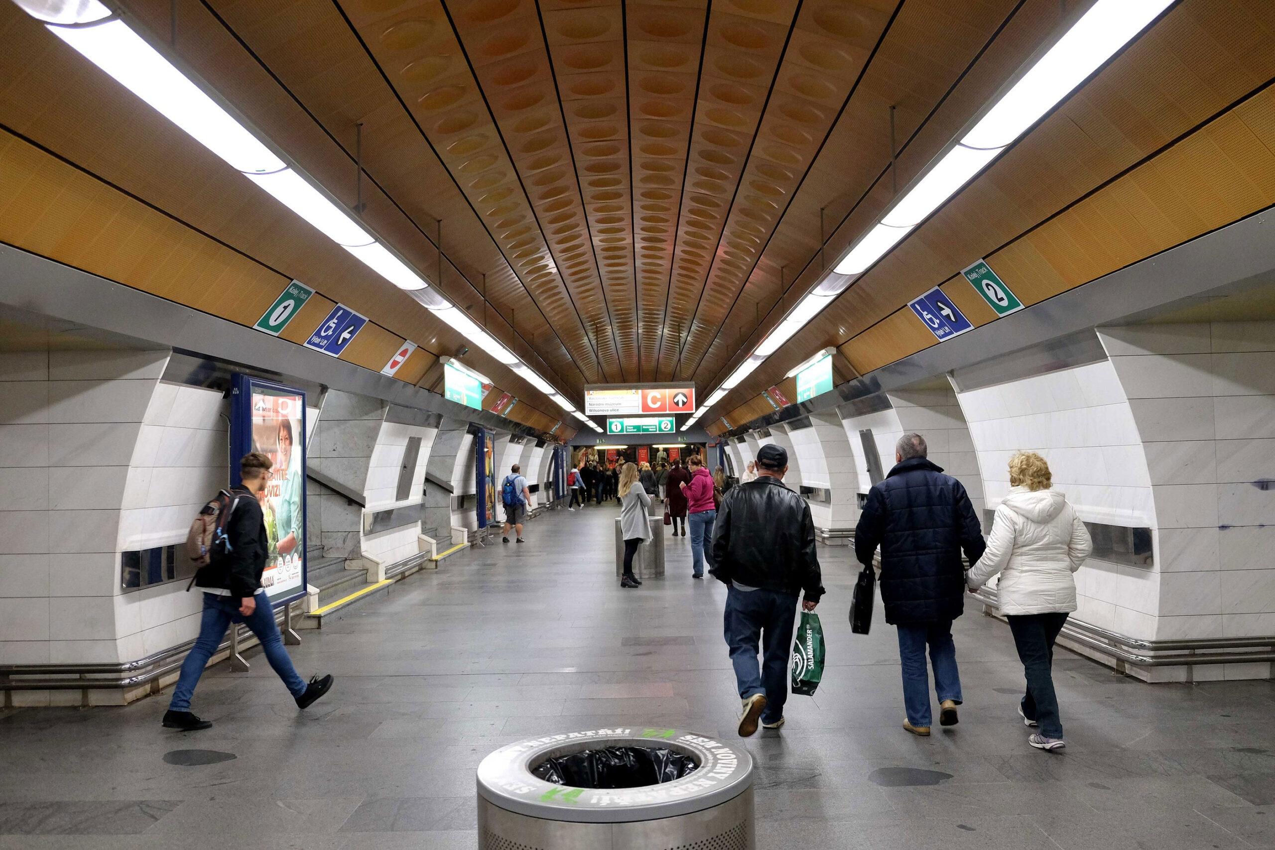 Praha Tbane kollektivtrafikk stasjon transport