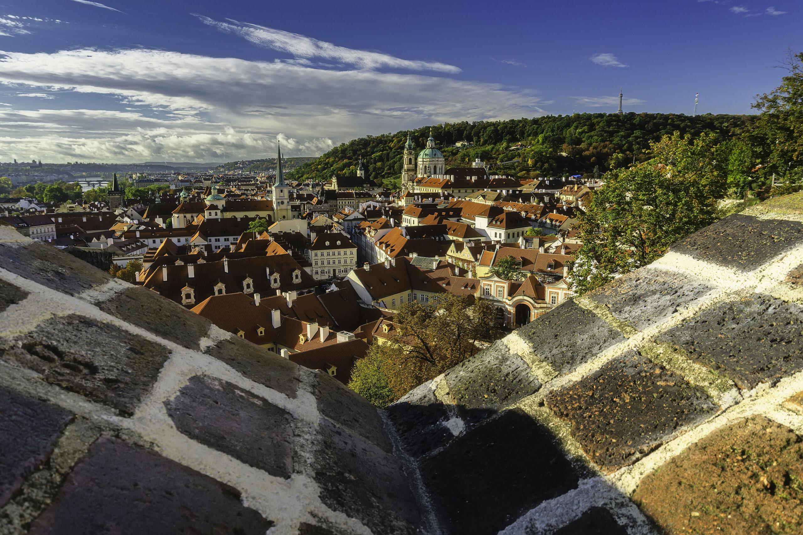 Petrin Petrinhoyden topp utsikt Praha bygg