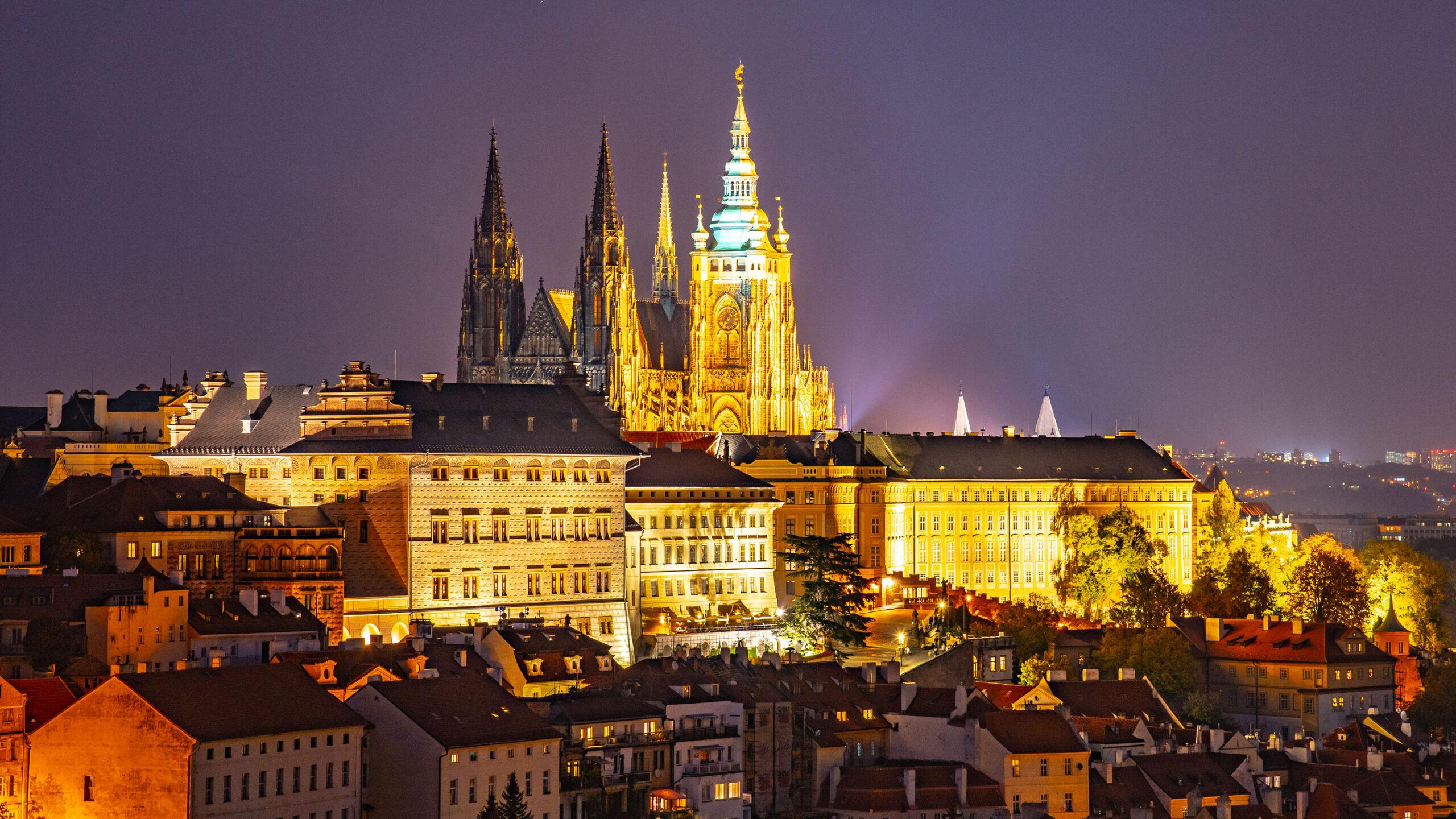 Prazsky Hrad Slottet Praha bygning attraksjon guide