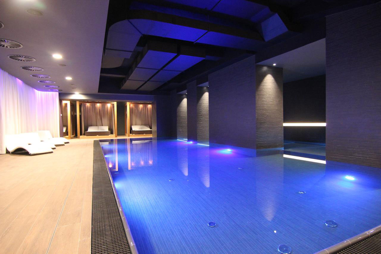 e9f67543 Dette hotellet har et av Prahas beste basseng